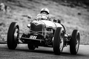Riley 9 Brooklands-Speed 1087 ccm von 1928 während des ersten Rennlaufs auf dem Urnerboden. Rang 1 in der Kategorie A, Periode C (1919-1930) bis 1500 ccm.